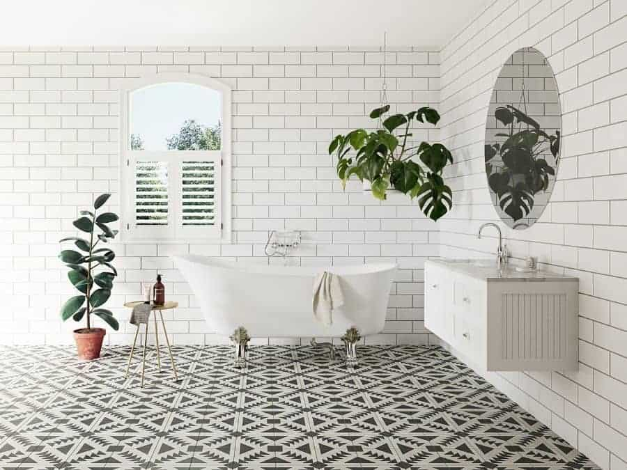 Bathroom with hanging plants will improve the air quality